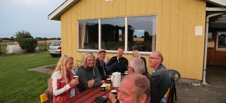 Fly-in til torsdagsgrill i Pøl